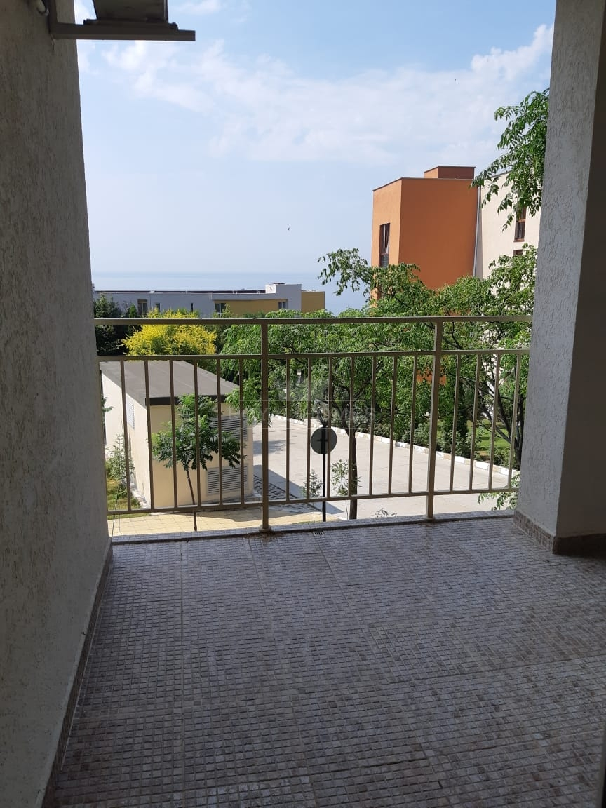 Трехкомнатная квартира в Святом Власе с видом на м