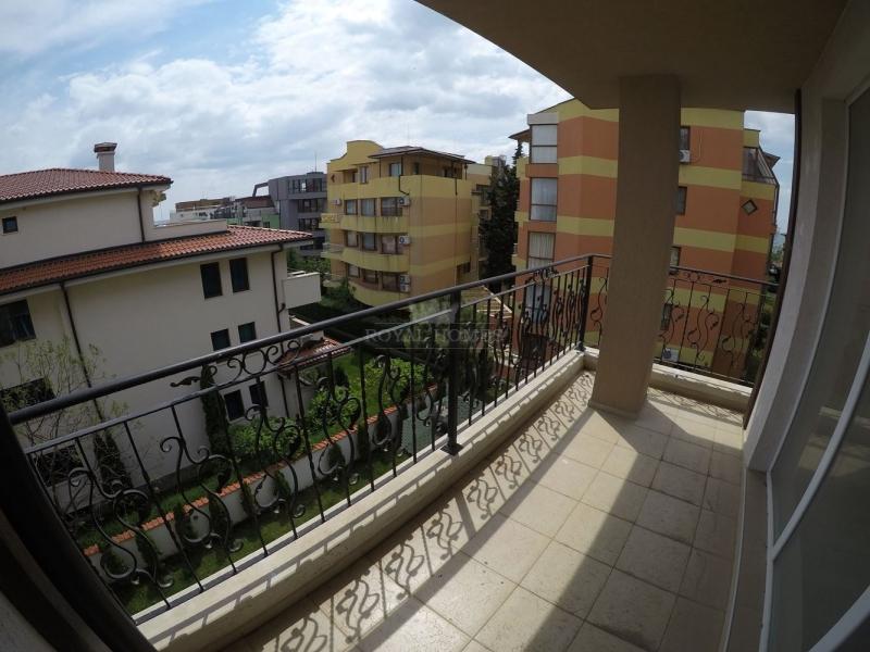 Новая двухкомнатная квартира  в Равда для круглого