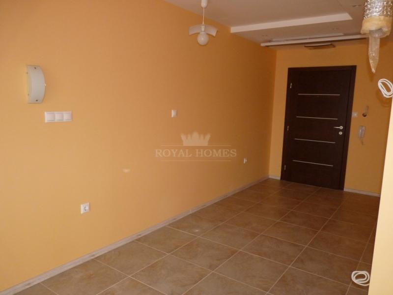 Квартира в Равда в 100 метров от моря.