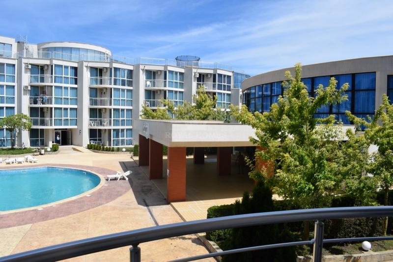 Двухкомнатная квартира в комплексе Атлантис.