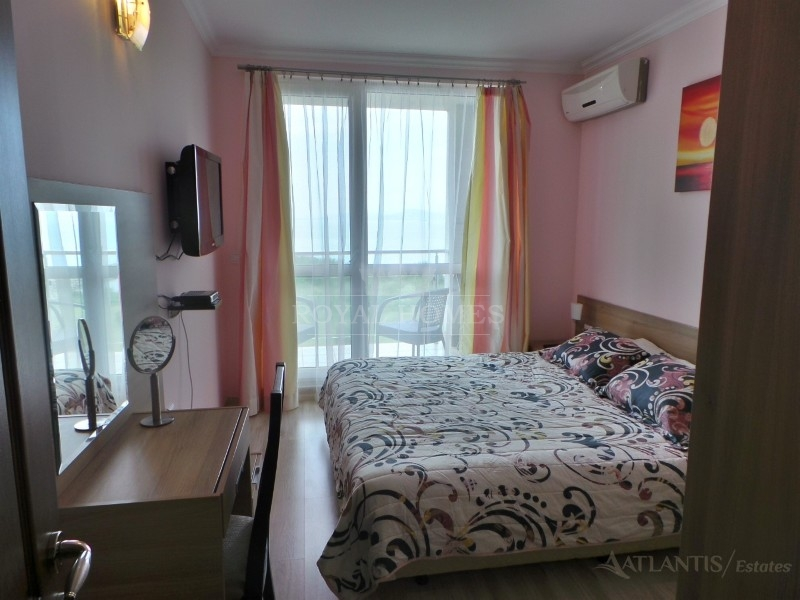 Предлагаем купить квартиру в Болгарии на первой ли