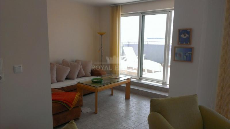 Большая четырехкомнатная квартира в Болгарии с пан