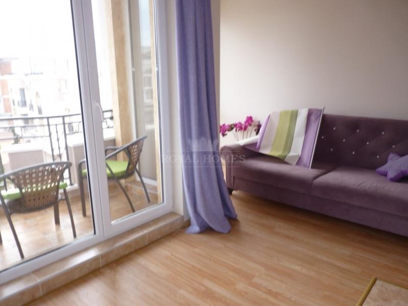 Купить новую меблированную квартиру студию в Равда