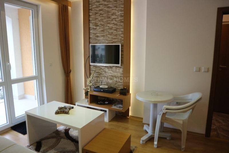 Двухкомнатная квартира с мебелью на Солнечном Бер