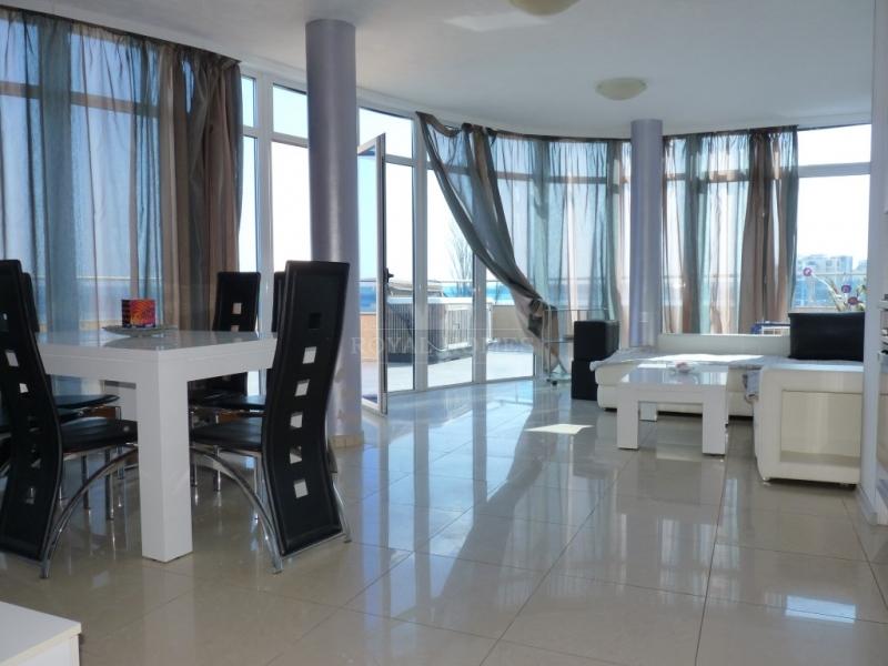 Квартира в Болгарии с фронтальным видом.
