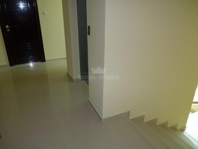 Большая двухкомнатная квартира в Поморие с видом н