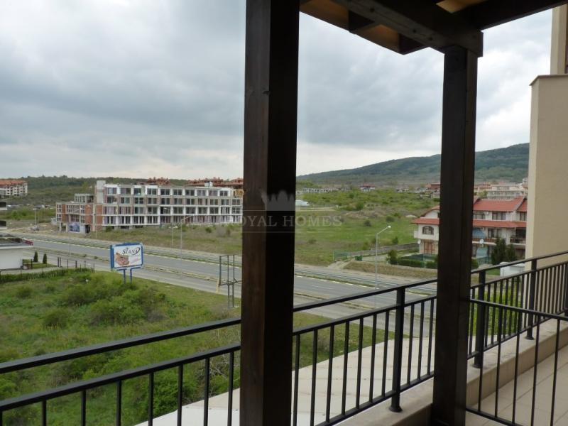 Двухуровневая квартира в Святом Власе с видом на м