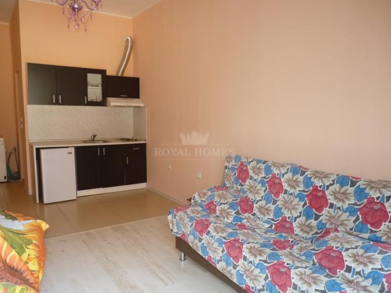 Дешевая однокомнатная квартира в городе Несебр, кв