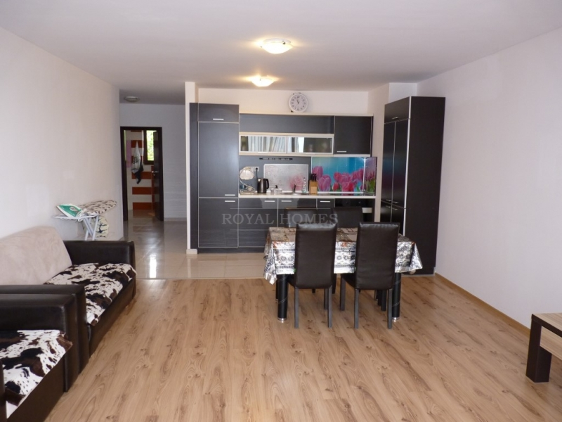 Купить трехкомнатную квартиру в Болгарии с видом н