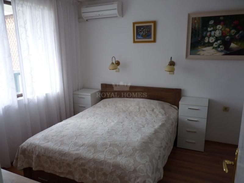 Большая трехкомнатная квартира в Святом Власе с ви