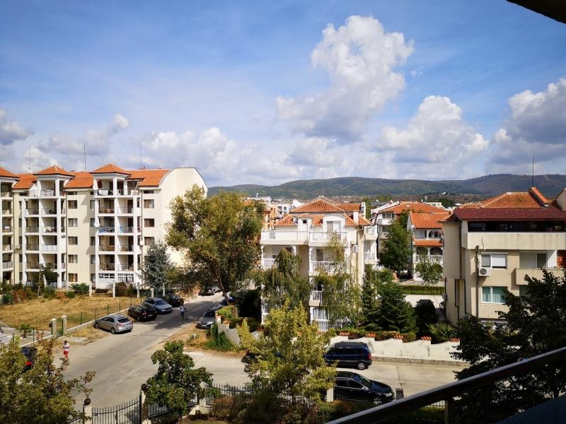 Двухкомнатная квартира в Болгарии в закрытом компл