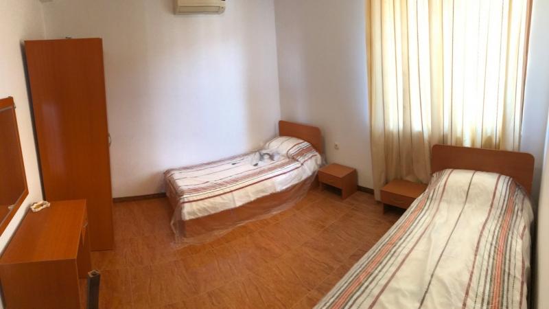Трехкомнатная квартира с видом на море в городе Св