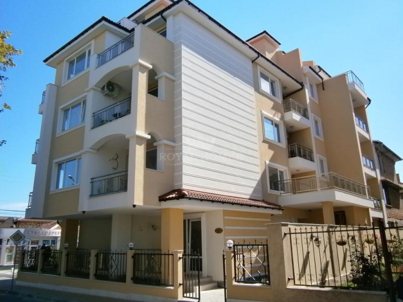 Купить квартиры в Болгарии на море в Равде.