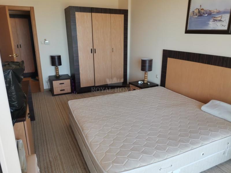 Шикарная двухкомнатная квартира в Болгарии с видом