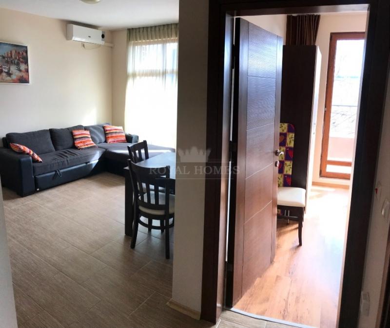Двухкомнатная квартира в Равда с видом на море