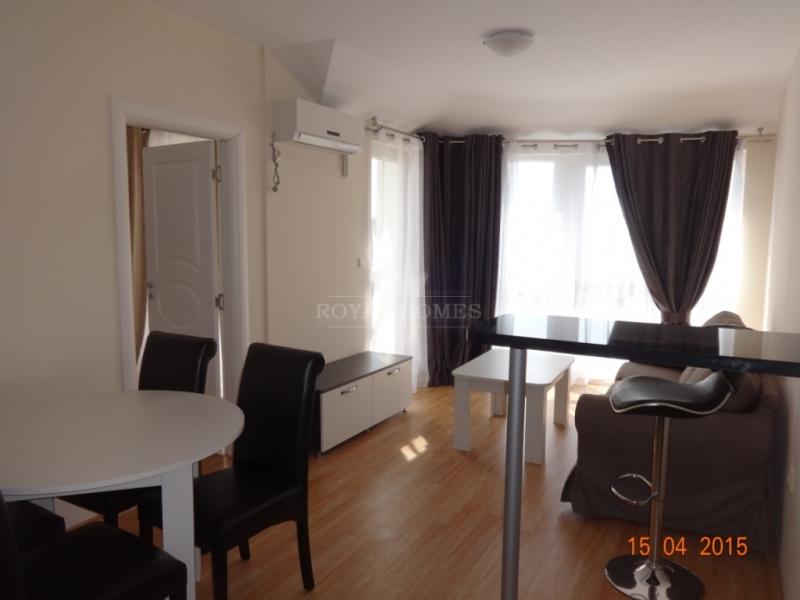 Последняя квартира с мебелью в Равде с видом на мо