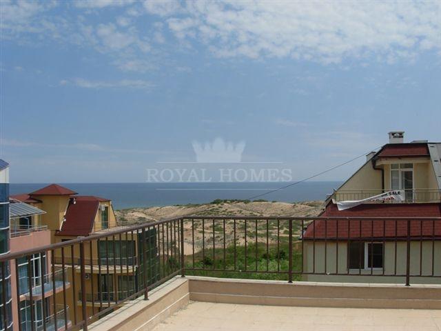 Двухкомнатная квартира в Болгарии с видом на море.