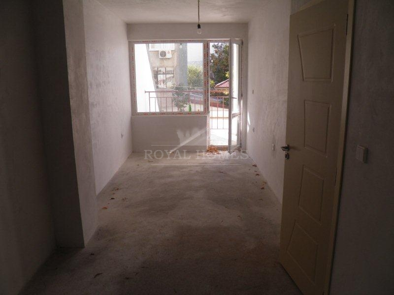Купить квартиру в Болгарии дешево в Бургас. Недоро