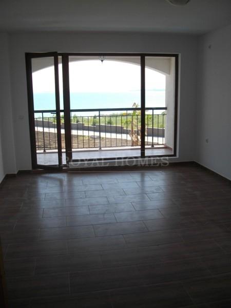 Недвижимость в Болгарии на море на первой линии. К