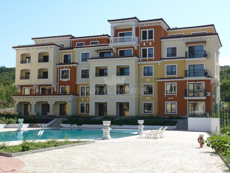 Квартиры в Болгарии в комплексе Lily Beach/Лилия Б