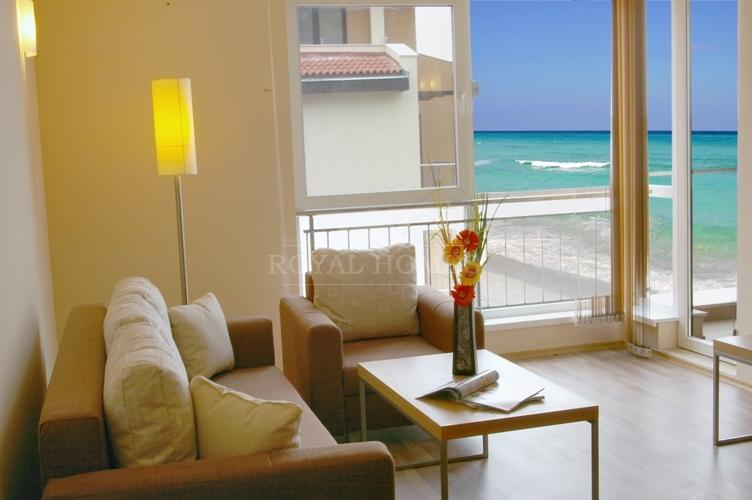 Однокомнатную квартира в Мати на море