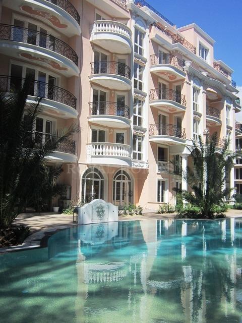 Комплекс квартир и таунхаусов Dawn Park Royal – Ve