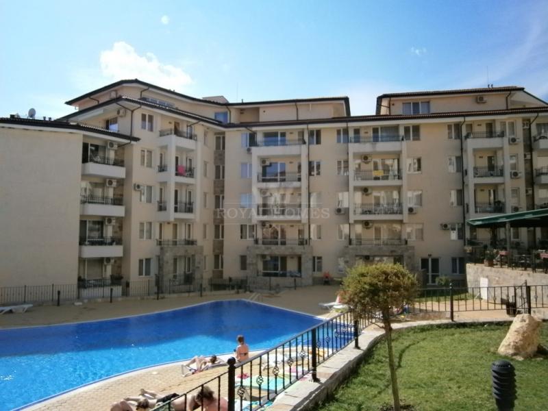 Недвижимость в Болгарии Апартамент на первой линии в