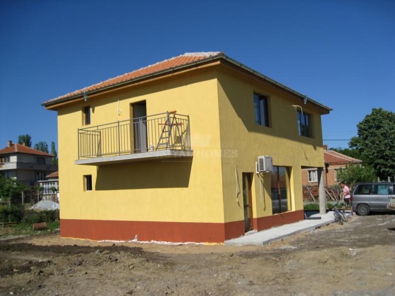 Дома в Болгарии с участком в сельской местности не