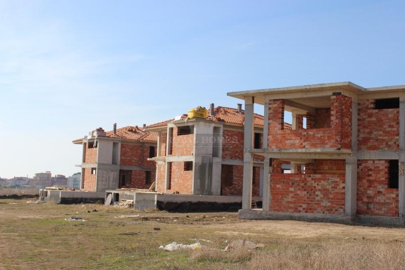 Домa в Болгарии в коттеджном поселке Adiba House.