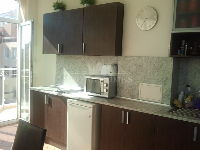 Трехкомнатная квартира в Болгарии дешево у моря.