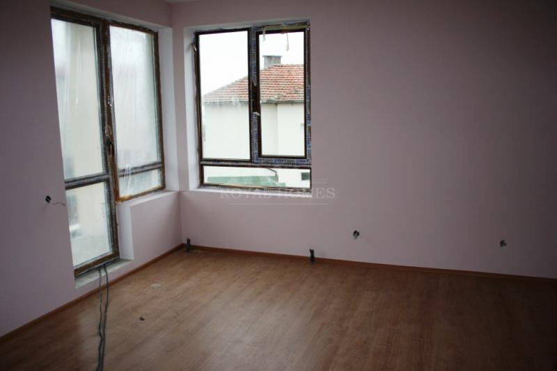 Купить квартиру в Болгарии недорого у моря.