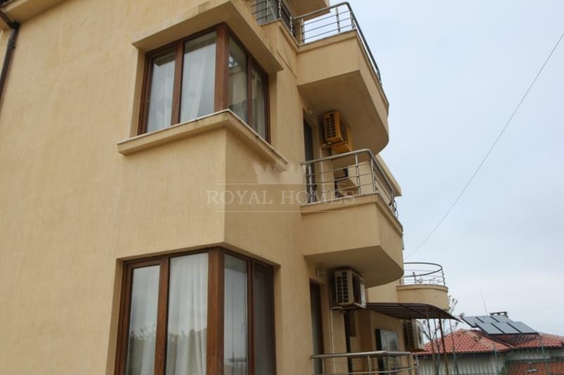 Недорогая меблированная квартира в Болгарии с видо