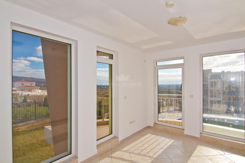 Купить квартиру в Болгарии дешево в Кошарица.